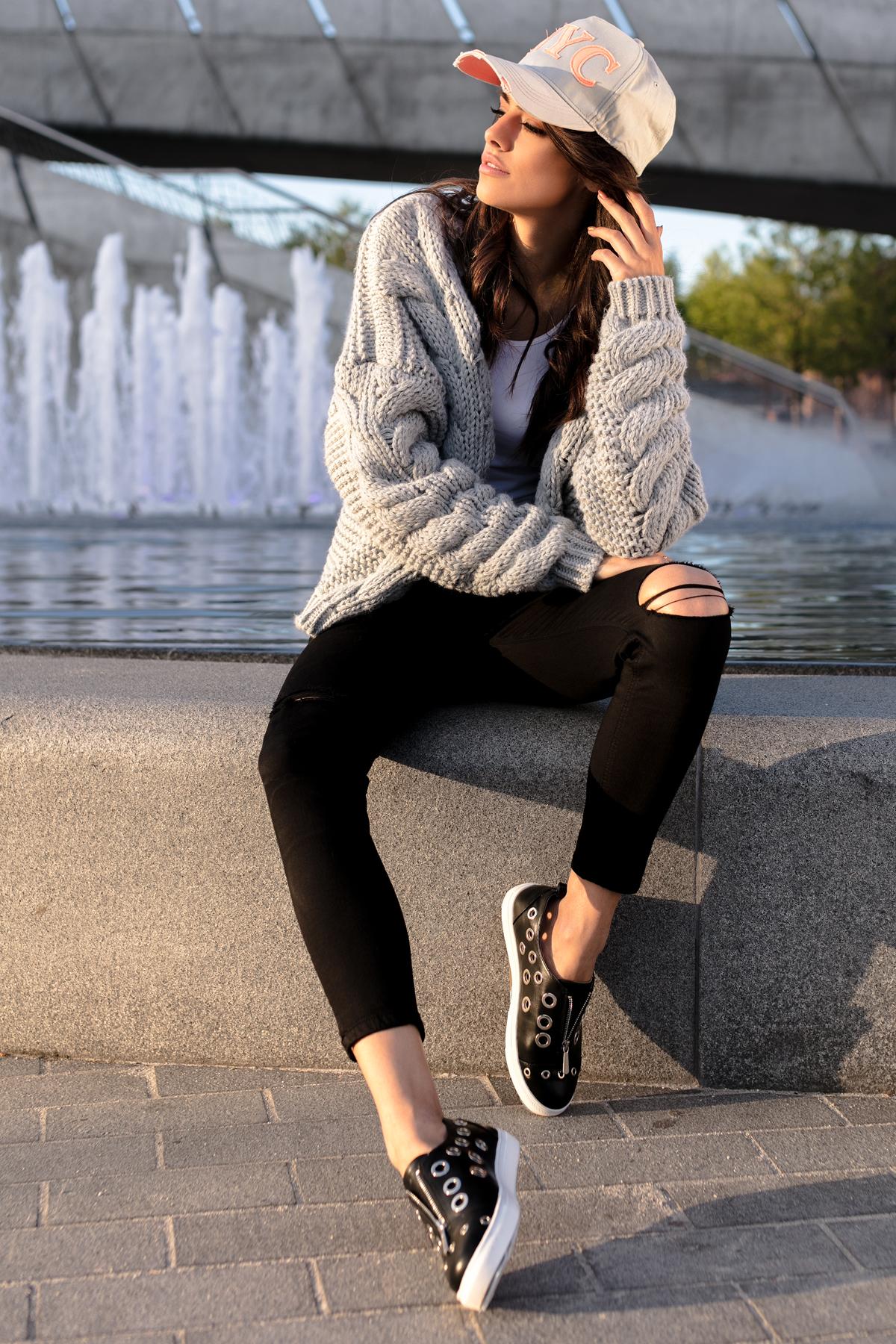 sweter bomber z warkoczem