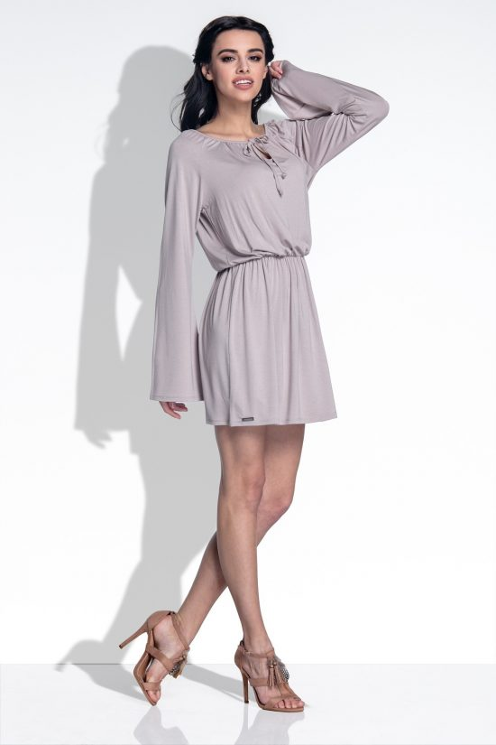 Luźna sukienka z szerokimi rękawami mocca
