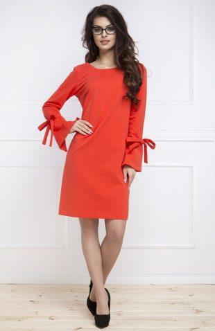 Sukienka z rozszerzanymi rękawami czerwona