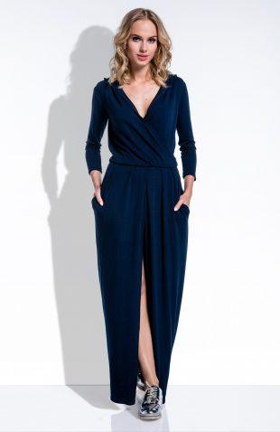 Sukienka maxi z głębokim dekoltem i kapturem