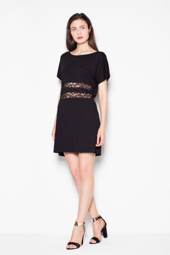 Czarna sukienka z krótkim rękawem