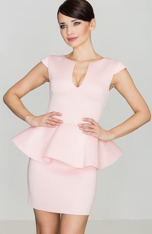 Sukienka z baskinką przed kolano różowa
