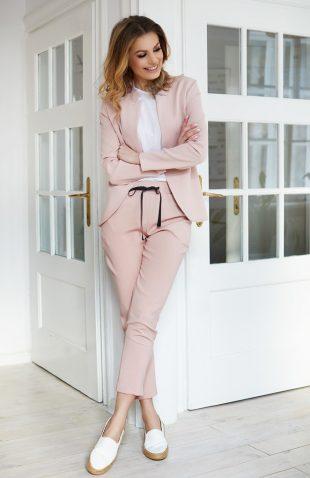 Komplet żakiet ze spodniami różowy