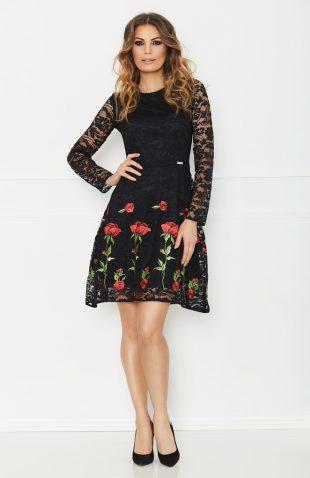 Sukienka koronkowa z haftem w kwiaty