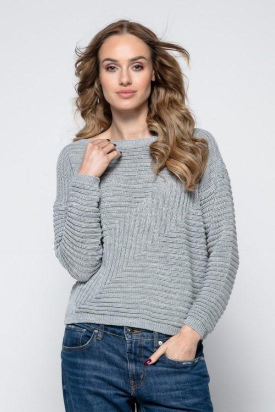 Wiosenny sweterek o geometrycznym splocie