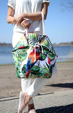 Duża torba worek z papugą w roślinny motyw