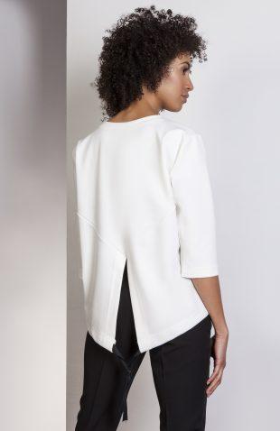 Elegancka bluzka z tyłem typu frak ecru