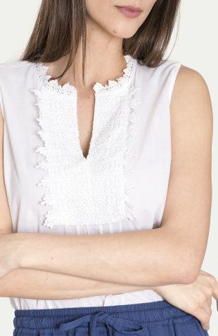 Biała bawełniana bluzka z dekoracyjnym dekoltem