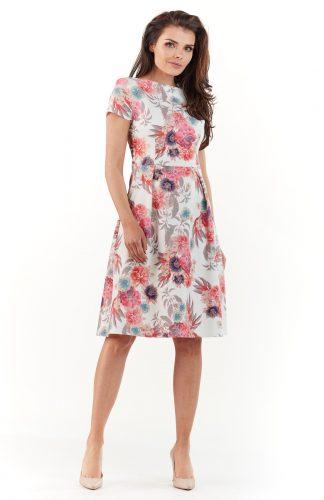 Sukienka do kolan na lato w kolorowe kwiaty