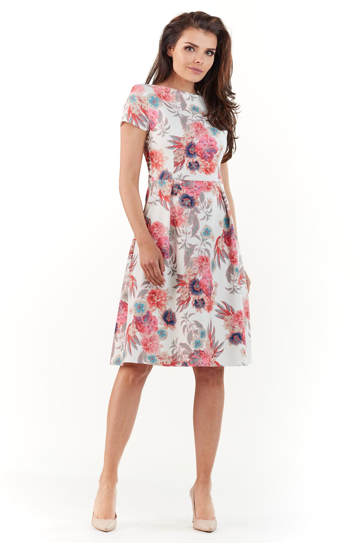62db521191 Sukienka do kolan na lato w kolorowe kwiaty - wysyłka od 5