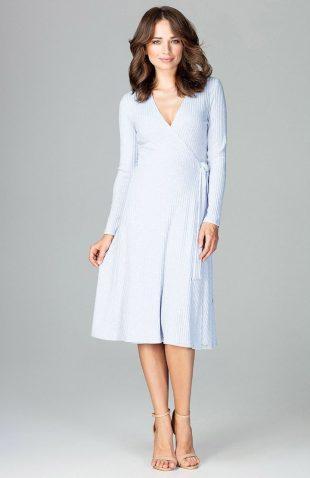 Sukienka kopertowa z dzianiny błękit