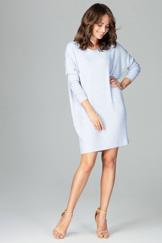 Sukienka dzianinowa oversize błękitna