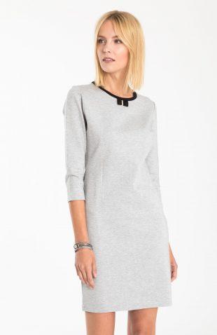 Elegancka sukienka dzianinowa z dekoracyjną kokardką