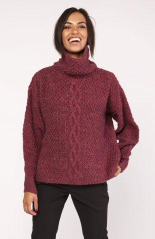 Ciepły gruby sweter z golfem bordo