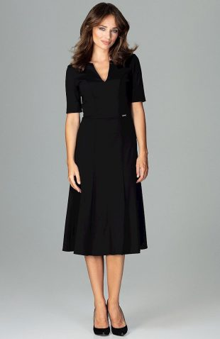 Elegancka sukienka do biura rozkloszowana czarna