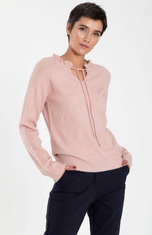 Ciepły sweter damski z dekoracyjną stójką róż