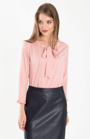 Bluzka do biura różowa z dekoracyjnym wiązaniem