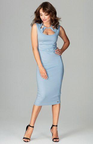 Dopasowana sukienka z ozdobnym dekoltem niebieska
