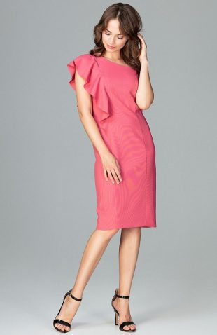 Elegancka sukienka na jedno ramię z falbaną koral