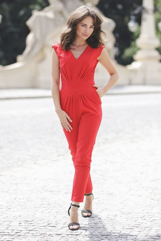 Elegancki kombinezon wizytowy czerwony