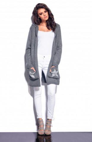 Ciepły miękki sweter z kieszeniami i z kapturem