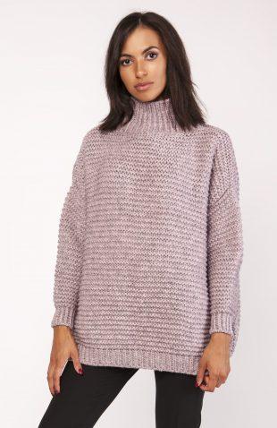 Ciepły dzianinowy sweter z golfem różowy