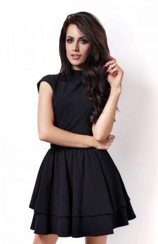 Elegancka rozkloszowana sukienka z falbanami czarna