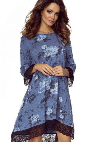 Elegancka sukienka trapezowa w kwiaty z koronką niebieska