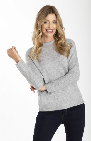 Miękki ciepły sweter ze stójką szary