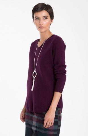 Klasyczny ciepły miękki sweter w serek ciemny fiolet