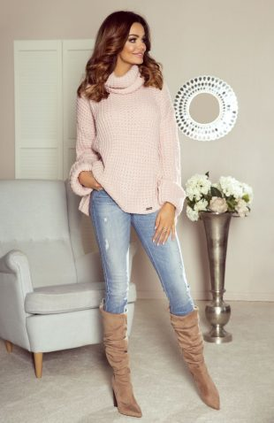 Ciepły sweter z golfem i z przedłużanym tyłem róż