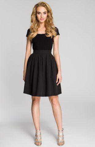 Elegancka plisowana spódnica przed kolano czarna