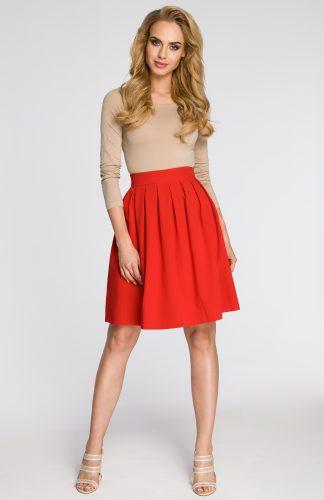 Elegancka plisowana spódnica przed kolano czerwona