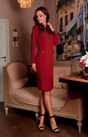 Elegancka sukienka biznesowa za kolano