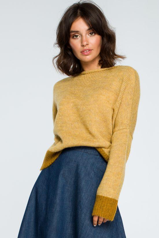 Ciepły gruby sweter z kontrastową lamówką