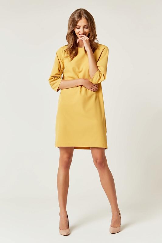 096f109063 Prosta klasyczna sukienka typu A do kolan żółta - wysyłka już od 5