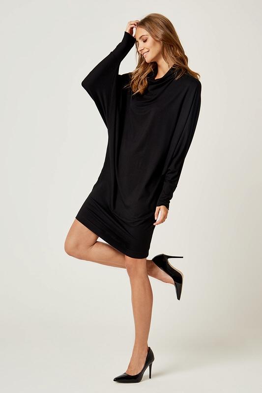 948dcd553d Dzianinowa luźna sukienka z golfem czarna - wysyłka kurierem od 5