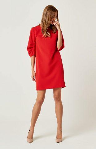 Prosta klasyczna sukienka typu A do kolan czerwona
