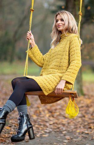 Mini sukienka tunika swetrowa z golfem, z kolekcji jesień/zima 2018. Sukienka o grubym splocie, szyta na bazie litery A.