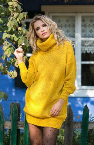 Miękka ciepła sukienka tunika swetrowa z golfem