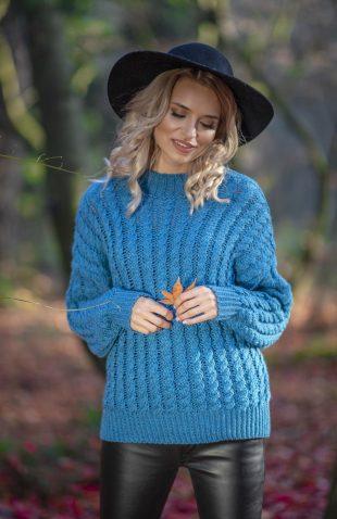 Ciepły krótki sweter z półgolfem