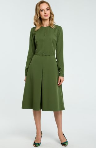 Elegancka rozkloszowana sukienka z paskiem zielona