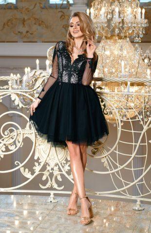Sukienka balowa z tiulem i z haftami czarna