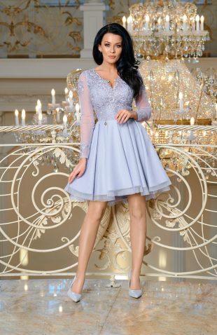 Sukienka balowa z tiulem i z haftami szara
