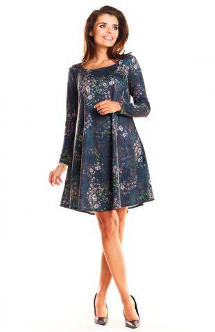 Dzianinowa rozszerzana sukienka typu A granatowa