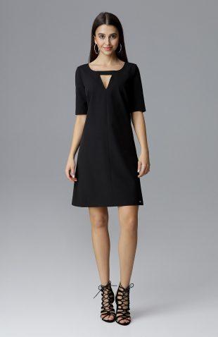 Prosta trapezowa sukienka przed kolano czarna
