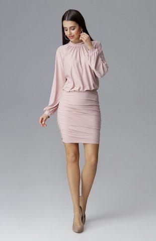 Dopasowana sukienka z szerokim rękawem różowa