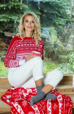 Lekki ciepły sweter w świąteczne wzory
