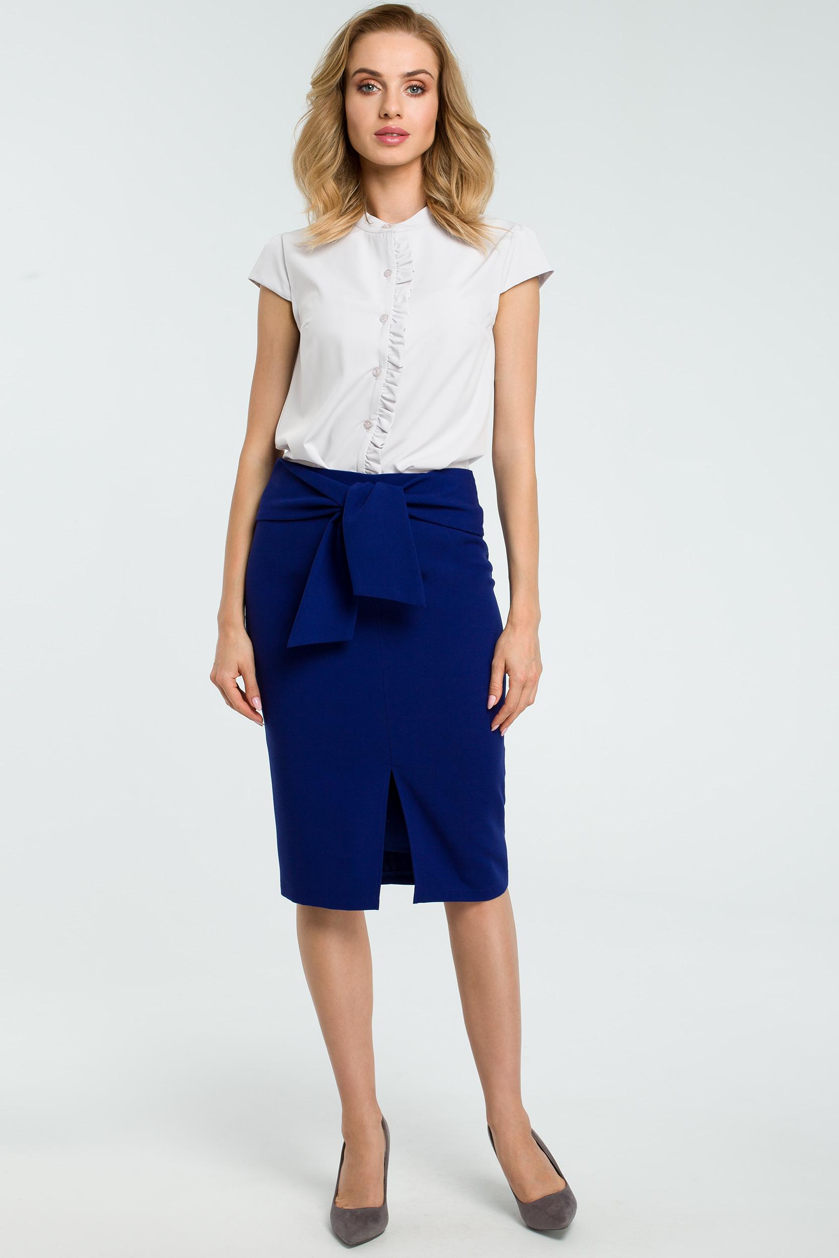 1c87f0d1 Elegancka spódnica ołówkowa wiązana paskiem niebieska
