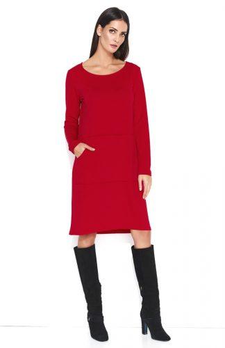 Dresowa wygodna sukienka do kolan z kieszenią czerwona